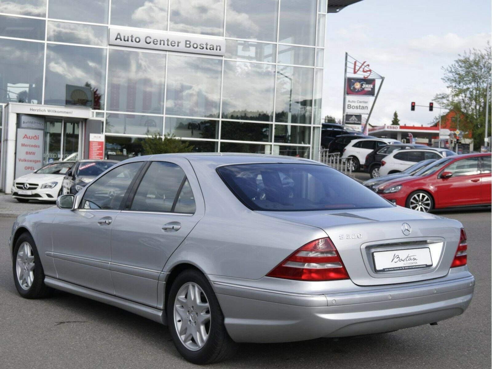Tento Mercedes za 18 rokov stratil 85% z ceny, najazdil len cez 7 000 km!