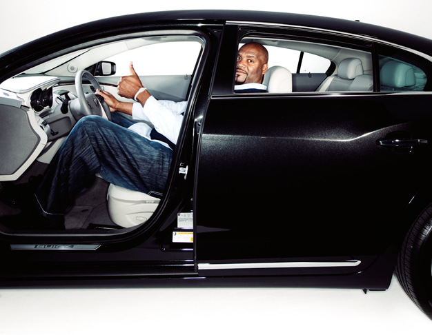 Shaquille O'Neal vo vozidle Buick LaCrosse