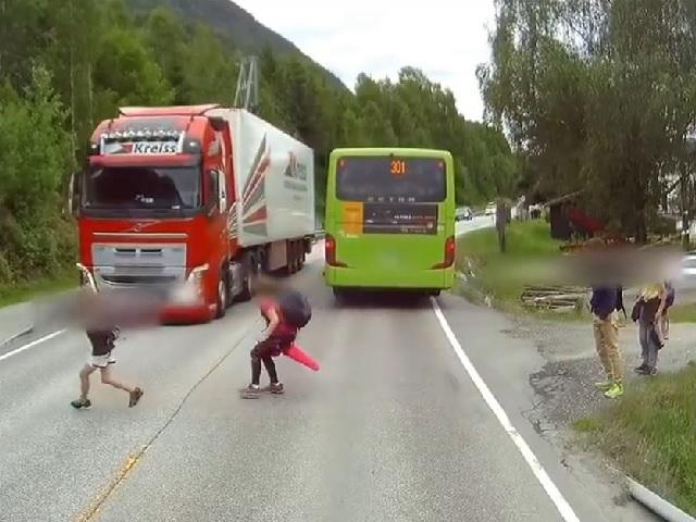 Dráma vodiča kamiónu z Nórska -Kamión vs. dieťa pod kolesami!