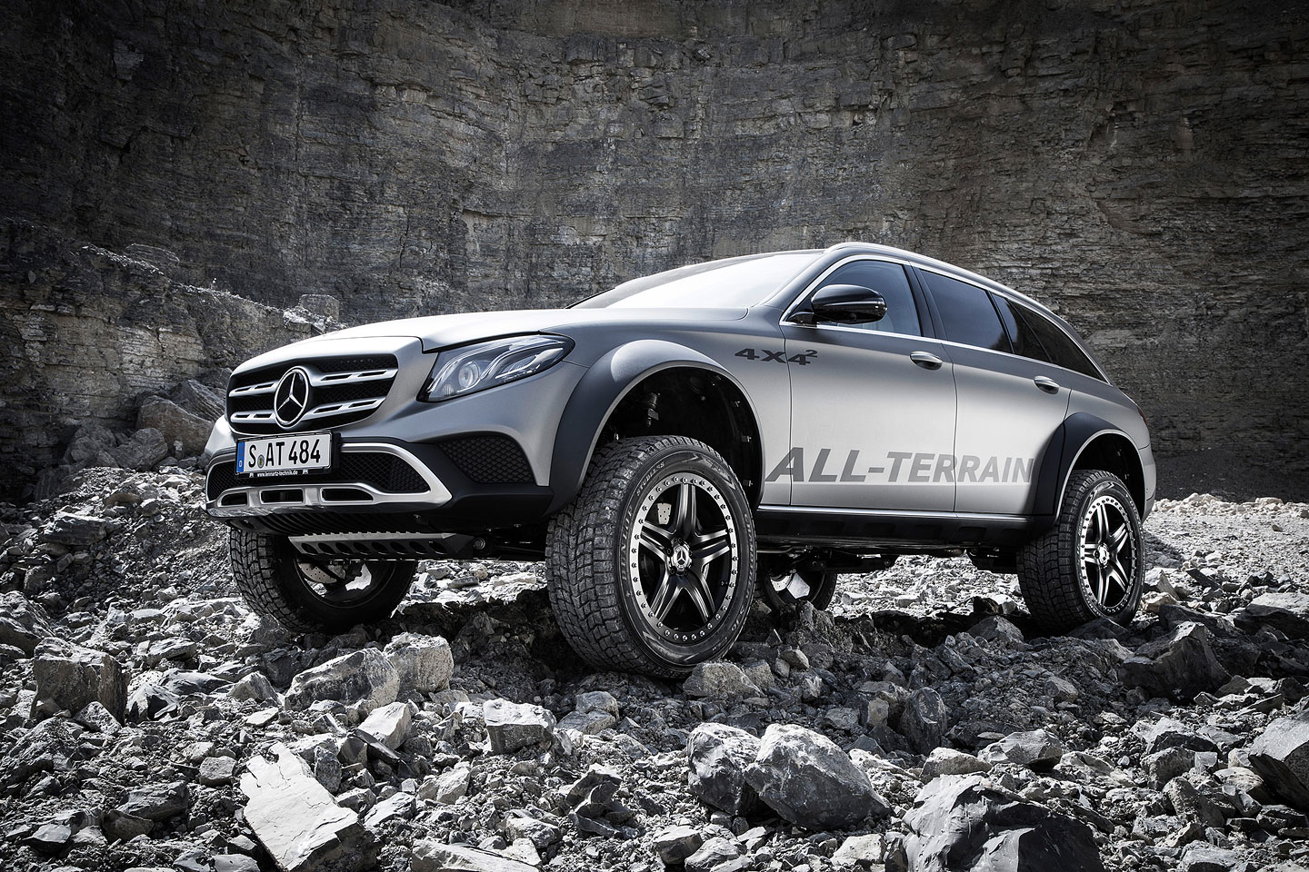 Mercedes-Benz E All-Terrain 4x4²!