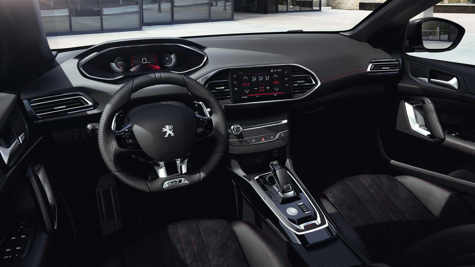 Peugeot ešte s novou generáciou 308 počká, ukázal ďalšiu modernizáciu