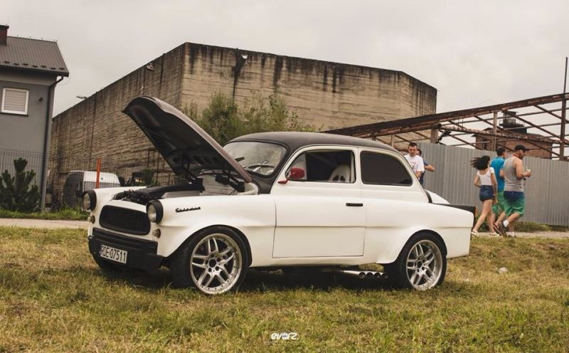 Škoda Octavia s motorom 4,4 V8! V8-čková beštia na predaj!