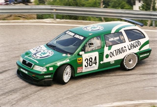 Škoda Octavia I, akú si ešte nevidel! 300 koní, šialená rýchlosť!