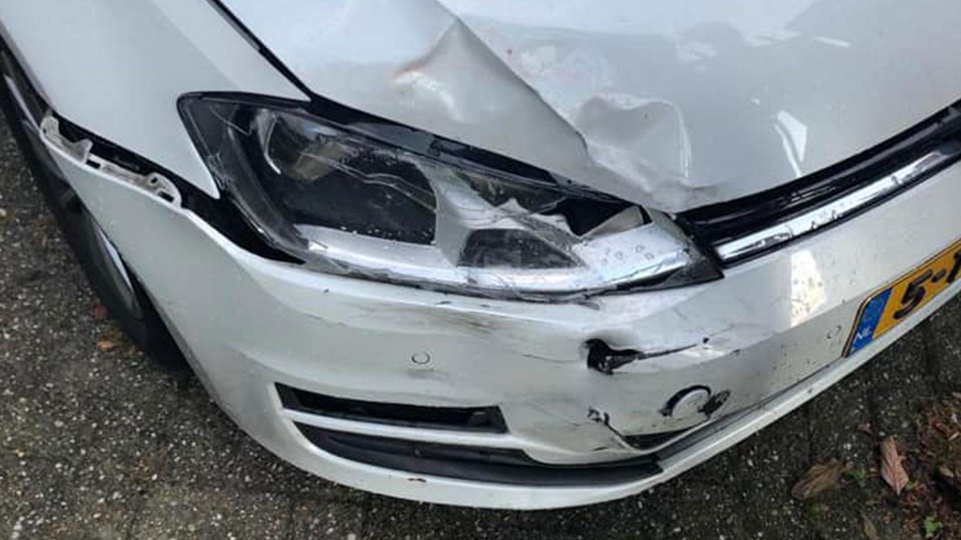 Auto nechala na parkovisku pri letisku. Takto ho našla po návrate!