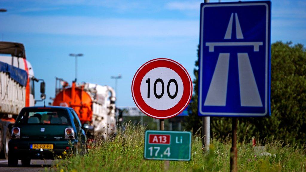 Holandsko znižuje maximálku na diaľnici na 100 km/h! Hlúposť alebo fajn nápad?