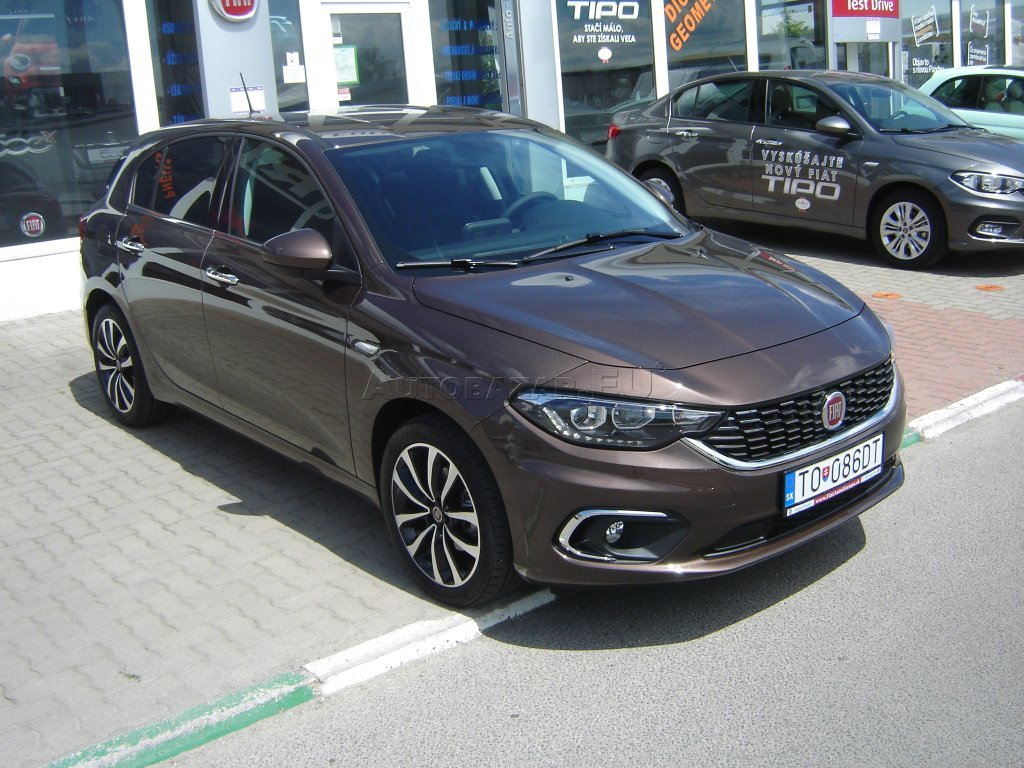 fiat tipo 1 4 t jet hatchback lounge autobaz r eu. Black Bedroom Furniture Sets. Home Design Ideas