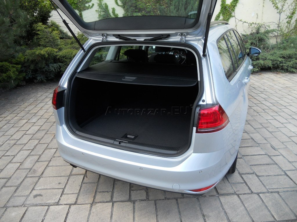 volkswagen golf variant vii 1 6 tdi bmt 105k comfortline. Black Bedroom Furniture Sets. Home Design Ideas