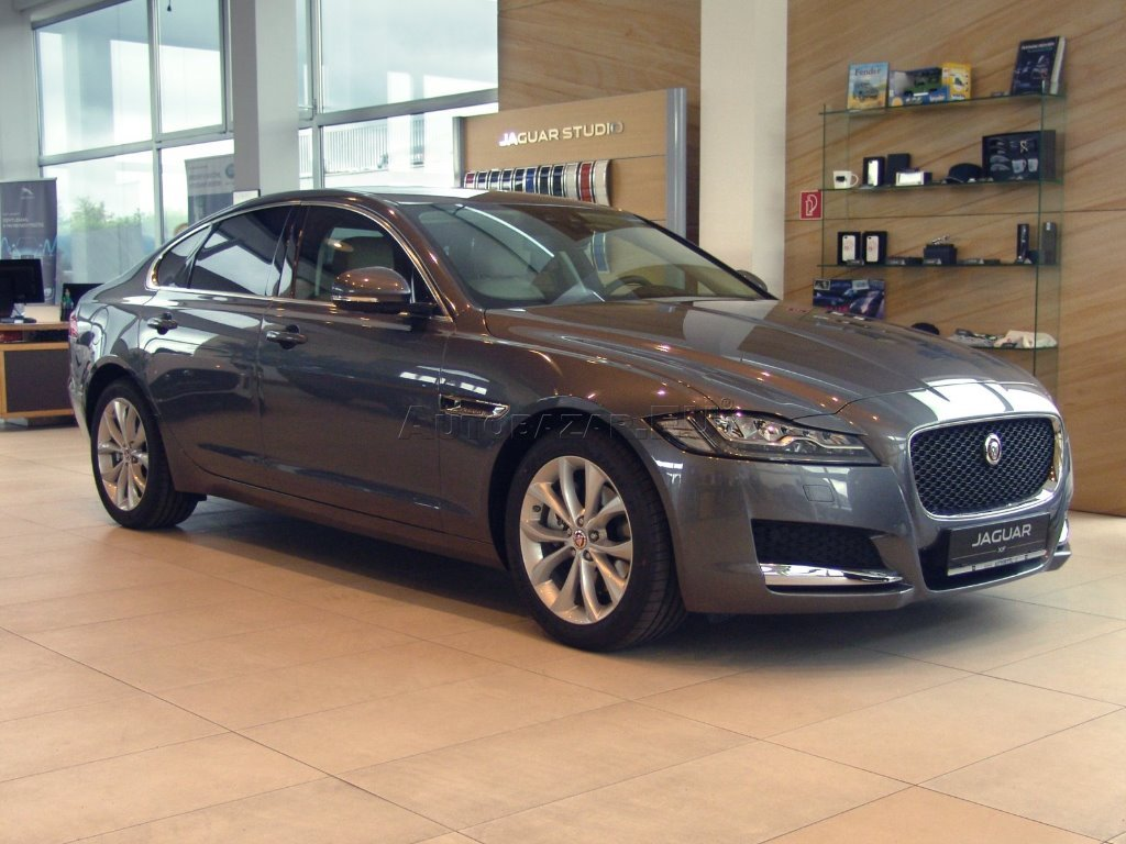 jaguar xf 20d awd pure for autobaz r eu. Black Bedroom Furniture Sets. Home Design Ideas