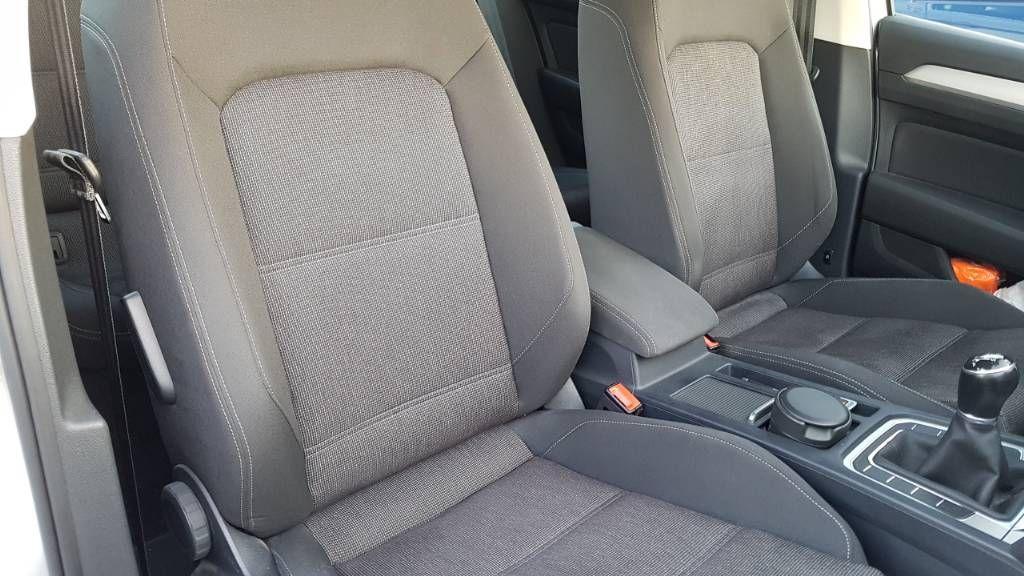 car-image