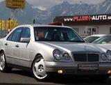 Mercedes-Benz E trieda Sedan 300 TD AVANTGARDE