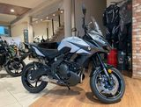 Kawasaki Versys 650 Pearl Stardust White / Metallic Spark Black
