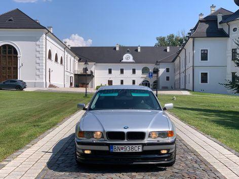 BMW rad 7 730dA. 142kw. r.v. 00